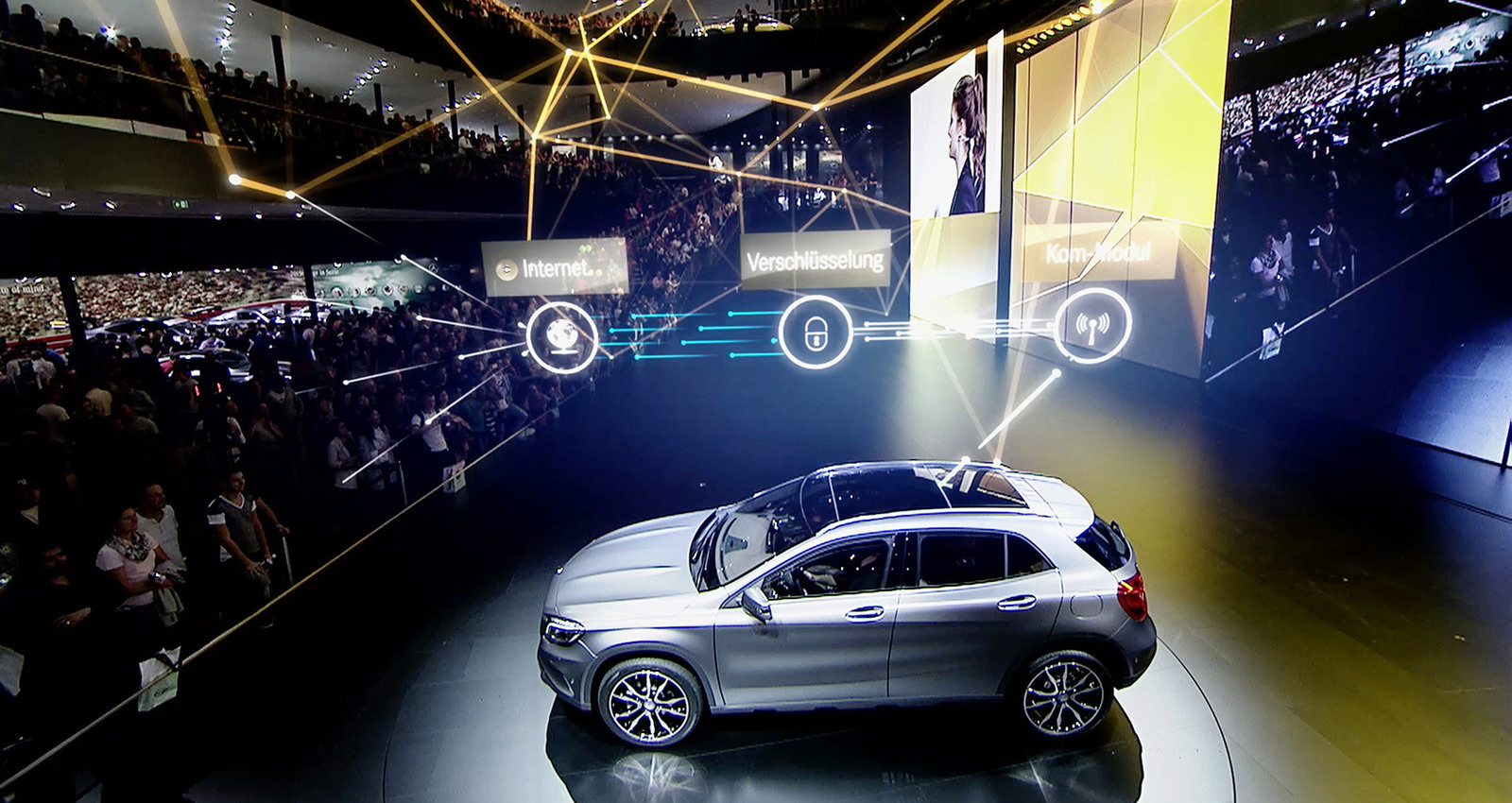 Mercedes-Benz at IAA 2015 / Mercedes Live! / Digital presentation with spidercam and augmented reality