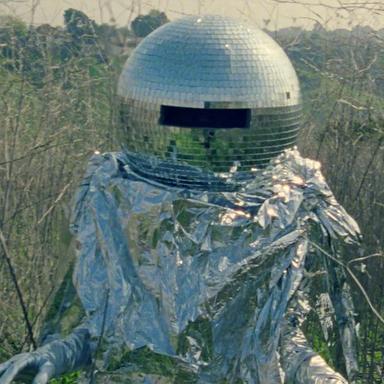 Imagine a Moon Colony