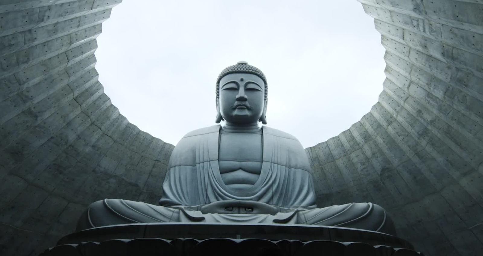 PRAY TO THE GREAT BUDDHA