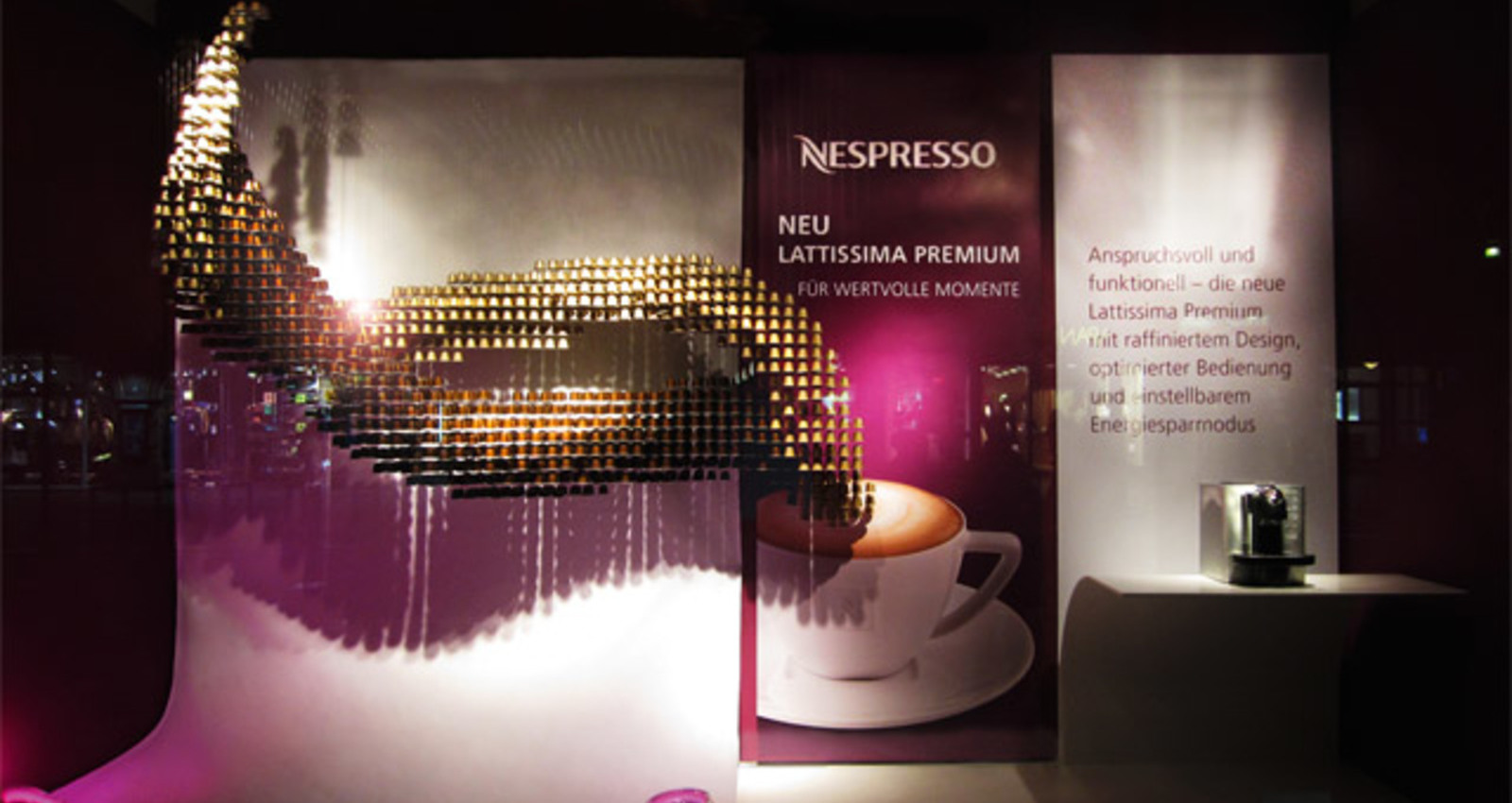 Nespresso - Display Windows Mönckebergstrasse